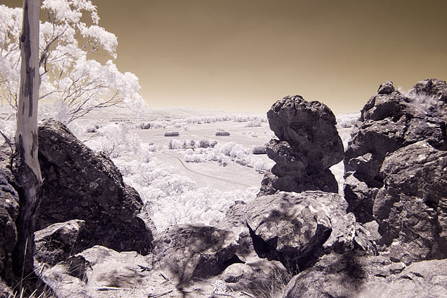 Hanging Rock photo by Wayne Cosshall